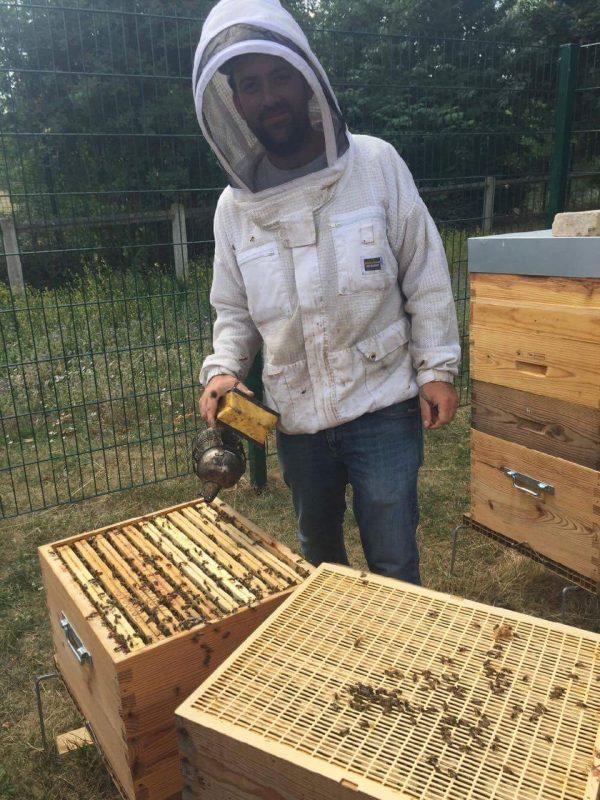 Alexandre Valgrès, apiculteur professionnel dans les Yvelines